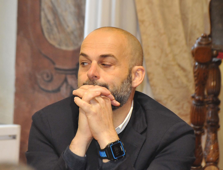 ASSESSORE SACCHETTI, CHIESTA VERIFICA SU PRESUNTA INCOMPATIBILITA'